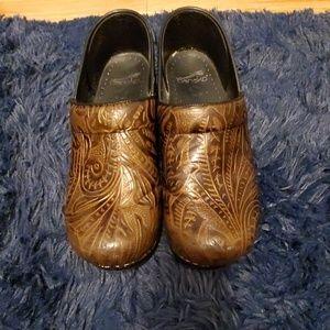Brown Danskos